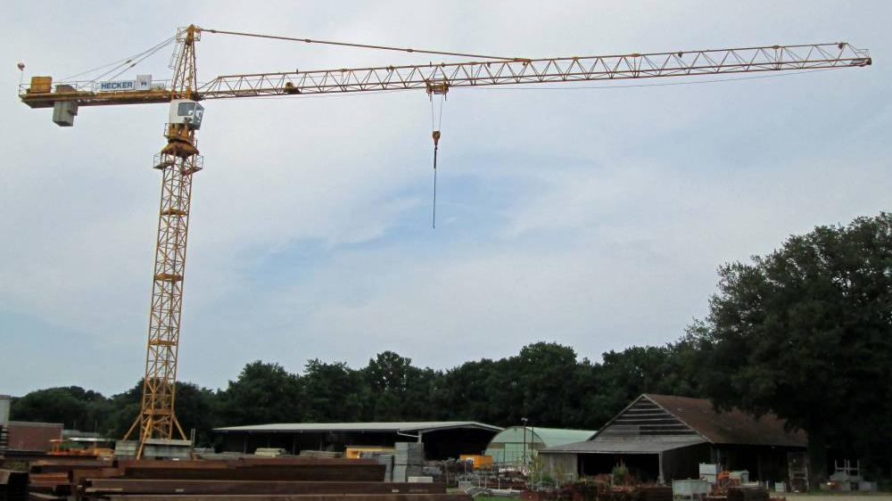 Standortgebundene Krane des Bauhofs:Turmdrehkran, Obendreher Liebherr 112EC-H